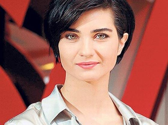 بالفيديو: الكاتبة السعودية نورة المعيقلي توأم الممثلة التركية لميس! صورة رقم 9