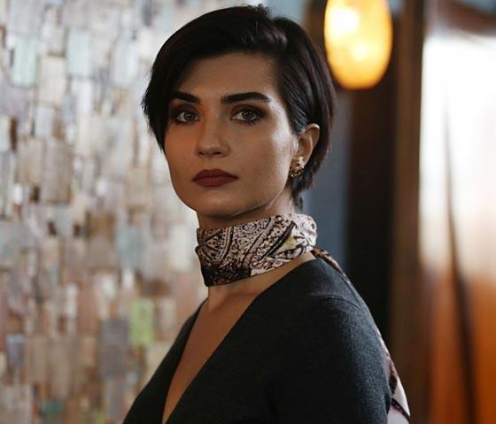 بالفيديو: الكاتبة السعودية نورة المعيقلي توأم الممثلة التركية لميس! صورة رقم 6