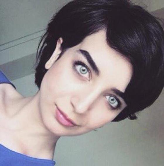 بالفيديو: الكاتبة السعودية نورة المعيقلي توأم الممثلة التركية لميس! صورة رقم 2