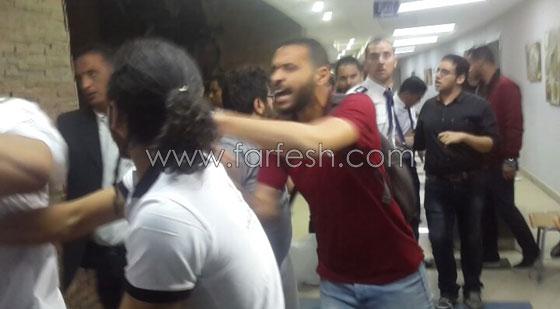 بالصور: ما حقيقة الاشتباكات بين الصحفيين والأمن في حفل تامر حسني؟ صورة رقم 2