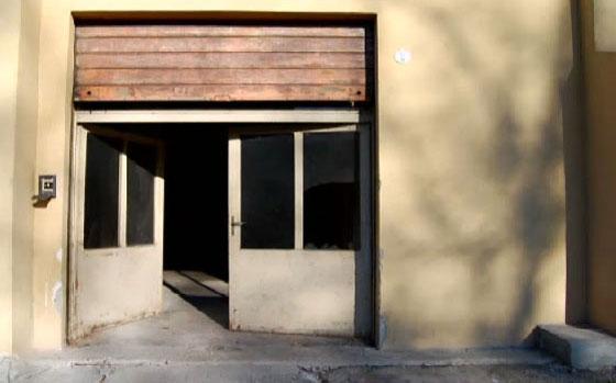 مهندس معماري يحول مرآب سيارات الى منزل فاخر.. فيديو صورة رقم 1