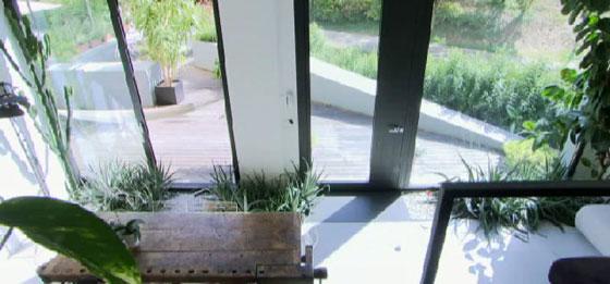 مهندس معماري يحول مرآب سيارات الى منزل فاخر.. فيديو صورة رقم 2