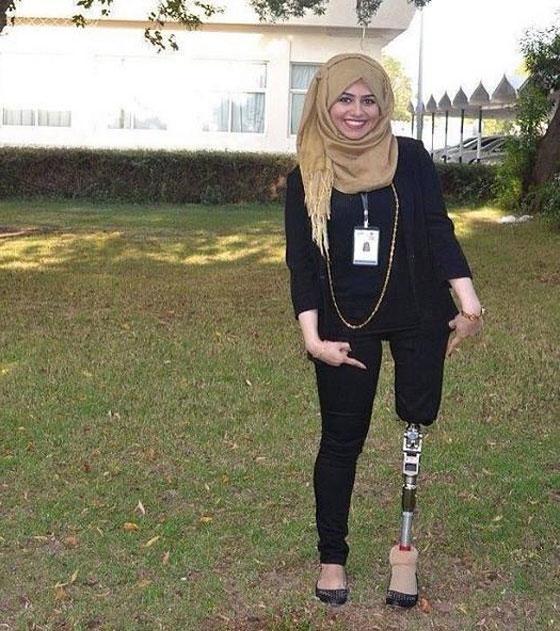 صورة رقم 3 - تعرفوا على الشابة العراقية التي تحدت إعاقتها بسبب دموع والدتها!