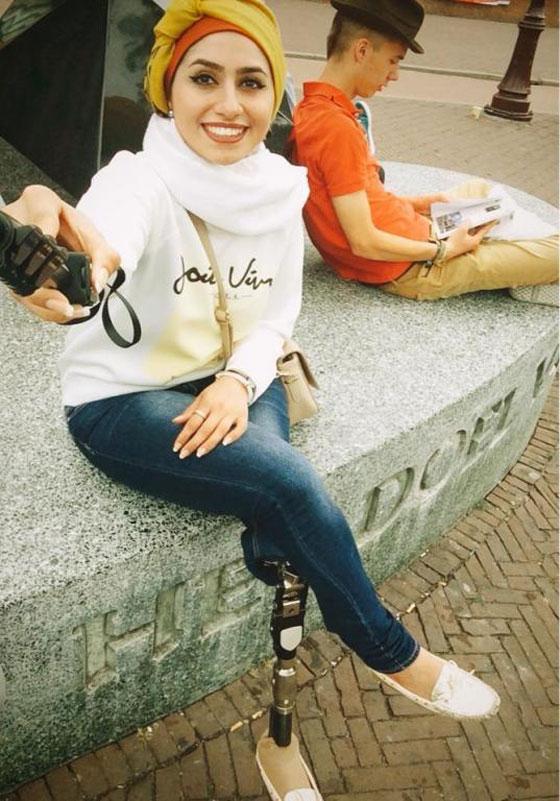 صورة رقم 10 - تعرفوا على الشابة العراقية التي تحدت إعاقتها بسبب دموع والدتها!