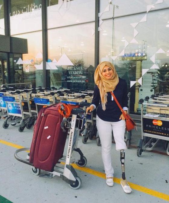 صورة رقم 11 - تعرفوا على الشابة العراقية التي تحدت إعاقتها بسبب دموع والدتها!
