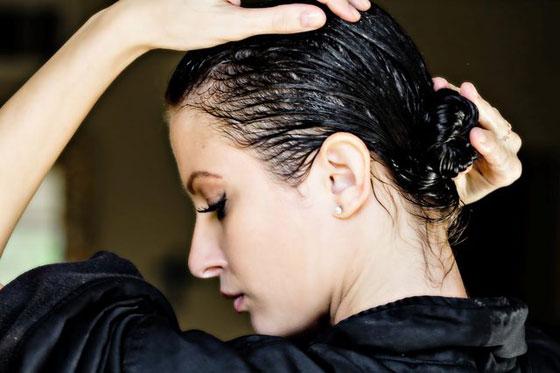 أبرز الزيوت التي تؤمن لكِ حلولاً فعّالة لكافة مشاكل الشعر صورة رقم 3