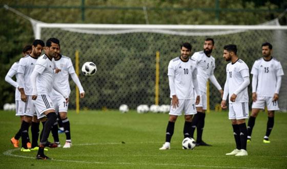 صورة رقم 7 -  نايكي لا تستطيع تزويد لاعبي المنتخب الإيراني بالأحذية لهذا السبب..!