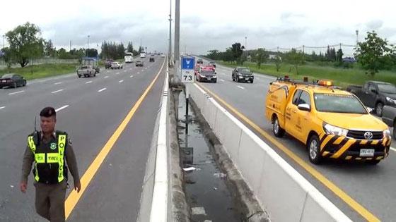 فيديو وصور مروعه: سائق شاحنة يطير في الهواء بعد ان نام اثناء القيادة! صورة رقم 8