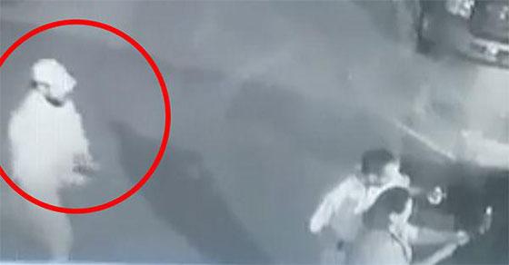 فيديو مروع.. شاهدوا لحظة اغتيال سياسي مكسيكي أثناء التقاطه سيلفي مع إحدى المعجبين  صورة رقم 1