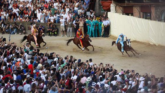 بالصور.. تعرفوا على أغلى وأشهر سباقات الخيول حول العالم صورة رقم 3