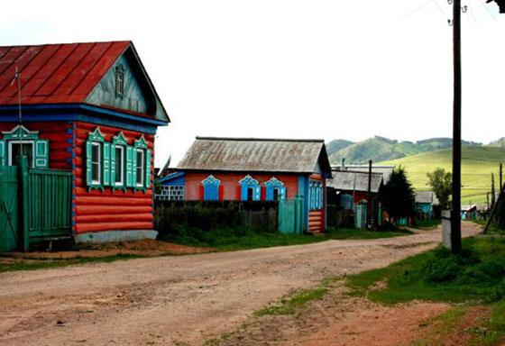 يبلغ عدد سكانها ألف شخص.. تعرفوا على أجمل قرية روسية صورة رقم 1