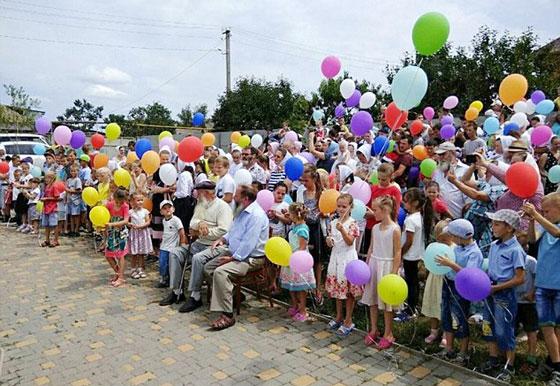يستعد لموسوعة غينيس.. أكبر عائلة في العالم لدى رجل أوكراني  صورة رقم 4