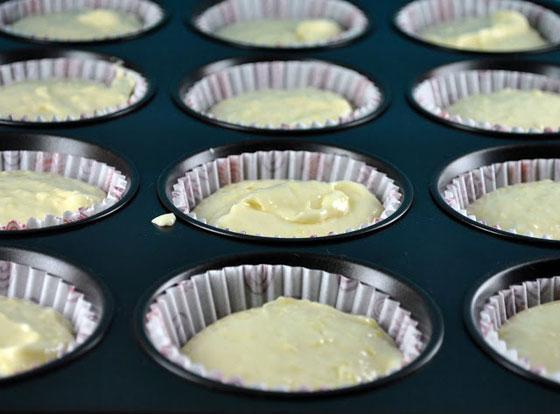بالصور: طريقة عمل كب الكيك الجبنة وكب الكيك الجبنة والزيتون الشهية صورة رقم 4