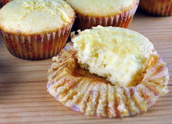بالصور: طريقة عمل كب الكيك الجبنة وكب الكيك الجبنة والزيتون الشهية صورة رقم 5