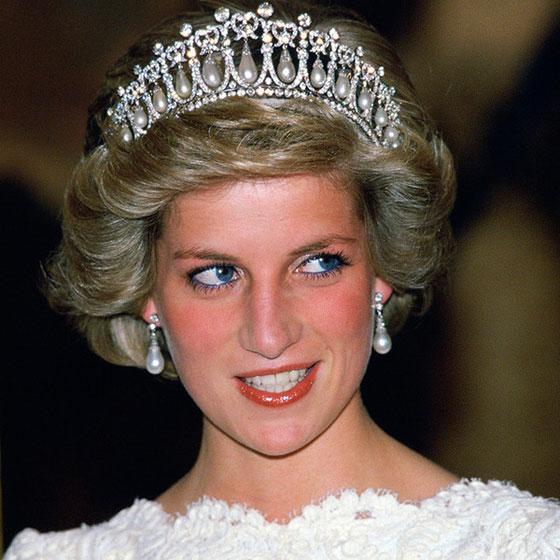 الأميرة ديانا حاضرة بعرض أزياء في نيويورك بعد 22 عاما على وفاتها صورة رقم 10