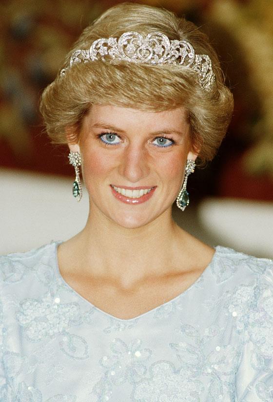 الأميرة ديانا حاضرة بعرض أزياء في نيويورك بعد 22 عاما على وفاتها صورة رقم 1