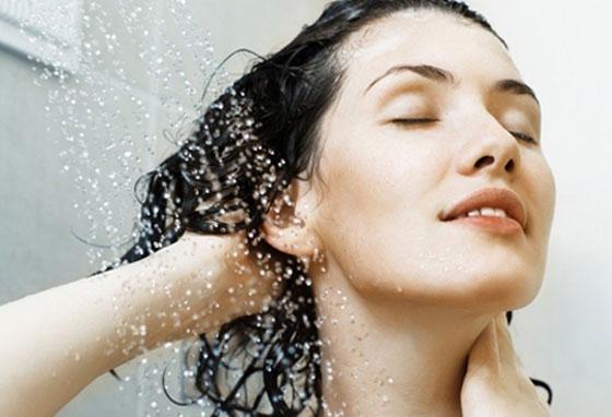 كم مرة يجب أن تغسل شعرك؟ صورة رقم 1