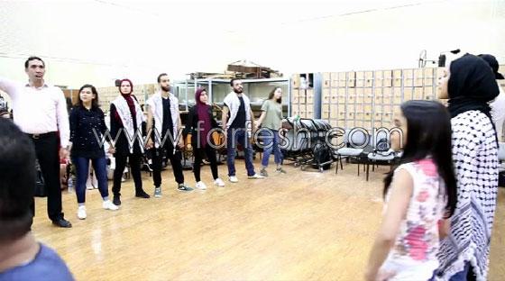 الفنانة الفلسطينية دلال أبو آمنة تبدع بمهرجان مصر والاحتلال يزعم أنها إسرائيلية! صورة رقم 4