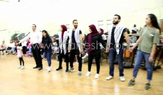 الفنانة الفلسطينية دلال أبو آمنة تبدع بمهرجان مصر والاحتلال يزعم أنها إسرائيلية! صورة رقم 5