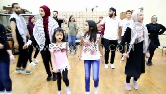 الفنانة الفلسطينية دلال أبو آمنة تبدع بمهرجان مصر والاحتلال يزعم أنها إسرائيلية! صورة رقم 11