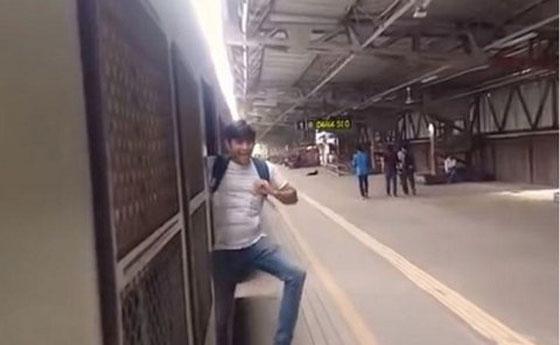 محكمة هندية تعاقب ثلاثة رجال بإلزامهم تنظيف محطة قطار بسبب تحدي كيكي! صورة رقم 6