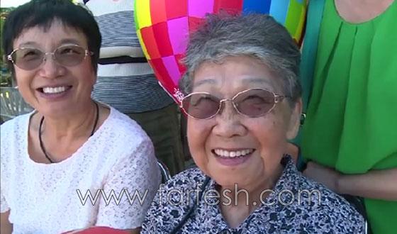 عجوز تايوانية (93 عاما) تقوم بمغامرة جنونية بجولة طيران مظلي صورة رقم 6