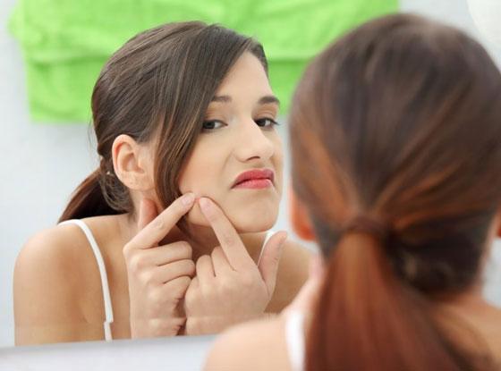 صورة رقم 3 - إتباعك لهذه العادات السيئة تؤثر على مظهرك وجمالك