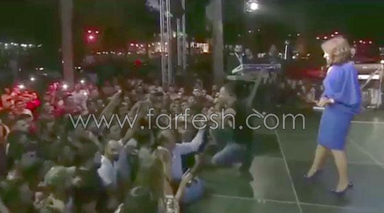 بالفيديو: الفنان أيمن زبيب يفاجئ حبيبته ويطلب يدها علنا أمام الجمهور صورة رقم 1