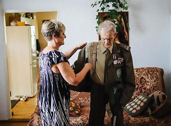 بالفيديو والصور.. عجوز (94 عاما) يحقق حلمه قبل يومين من وفاته! صورة رقم 3