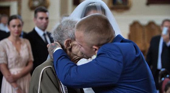 بالفيديو والصور.. عجوز (94 عاما) يحقق حلمه قبل يومين من وفاته! صورة رقم 6