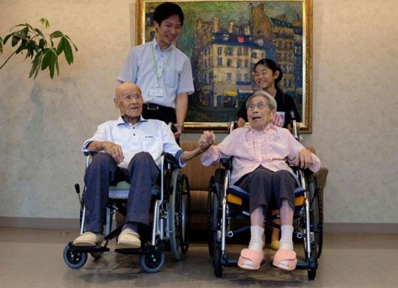 زوجان يابانيان يدخلان موسوعة غينيس لأكبر زوجان بالعالم، فما سر دوام زواجهما 80 عاما؟ صورة رقم 2