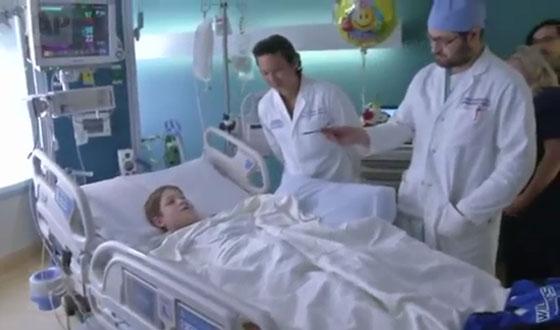 نجاة طفل (10 سنوات) من الموت بأعجوبة بعد اختراق سيخ لحم معدني لرأسه! صورة رقم 6