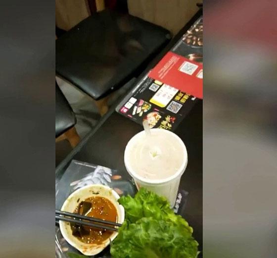 بالفيديو والصور.. فأر ميت في الحساء يكلف مطعما ملايين الدولارات صورة رقم 7