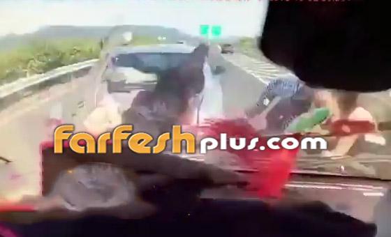 فيديو: عائلة صينية تنجو من حادث سير وتتعرض لحادث آخر خطير ومروع بعد ثوان! صورة رقم 3