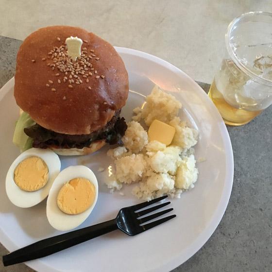 بالصور.. مطعم ياباني يقدم وجبات للزبائن طلبها مجرمون حكم عليهم بالإعدام  صورة رقم 5