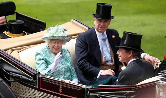 ما هي غلطة توني بلير التي أثارت غضب الملكة اليزابيث؟! صورة رقم 7
