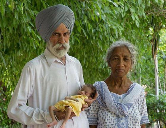 أمهات أنجبن أطفالهن فوق الـ60 عاما: أكبرهن هندية أنجبت في سن 72 صورة رقم 1