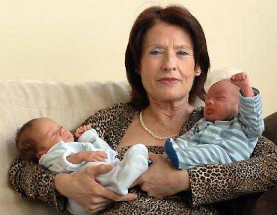 أمهات أنجبن أطفالهن فوق الـ60 عاما: أكبرهن هندية أنجبت في سن 72 صورة رقم 7