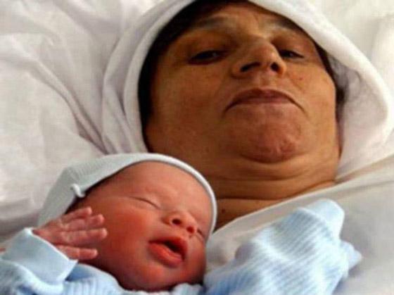 أمهات أنجبن أطفالهن فوق الـ60 عاما: أكبرهن هندية أنجبت في سن 72 صورة رقم 10