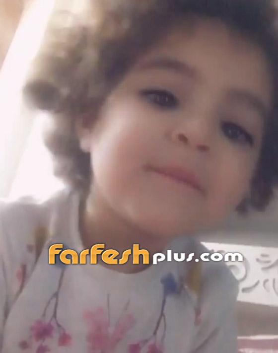 بالفيديو: طفلة صغيرة تبهر الفنان تامر حسني بادائها (عيش بشوقك).. صورة رقم 2