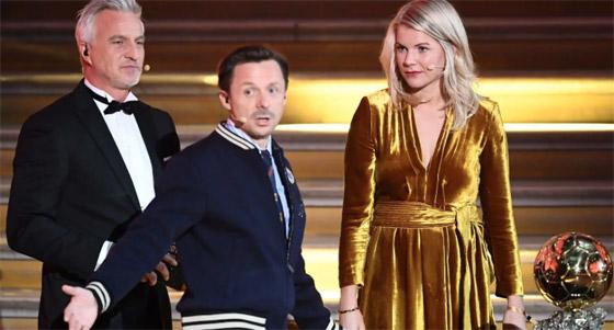 فضيحة على الهواء! طلب صادم من لاعبة نرويجية في حفل جوائز الكرة الذهبية صورة رقم 10