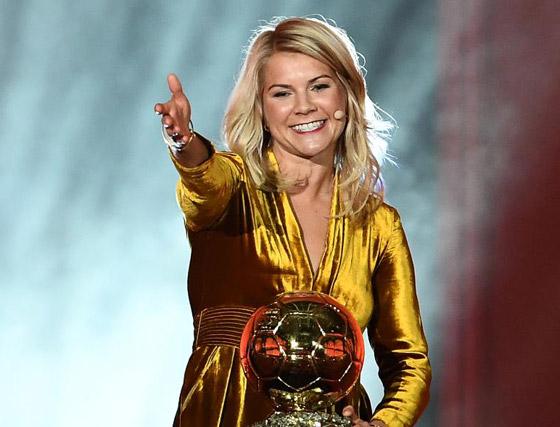 فضيحة على الهواء! طلب صادم من لاعبة نرويجية في حفل جوائز الكرة الذهبية صورة رقم 11