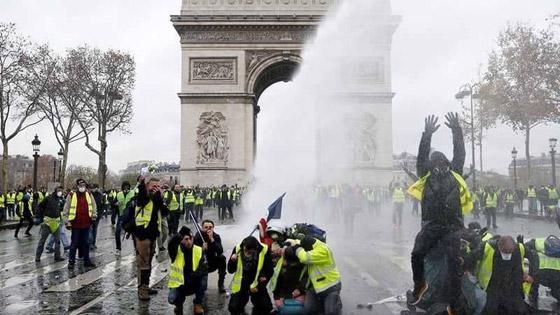 حركة السترات الصفراء تضيق الاحتجاجات على ماكرون: يعتقدون أننا حمقى! صورة رقم 6