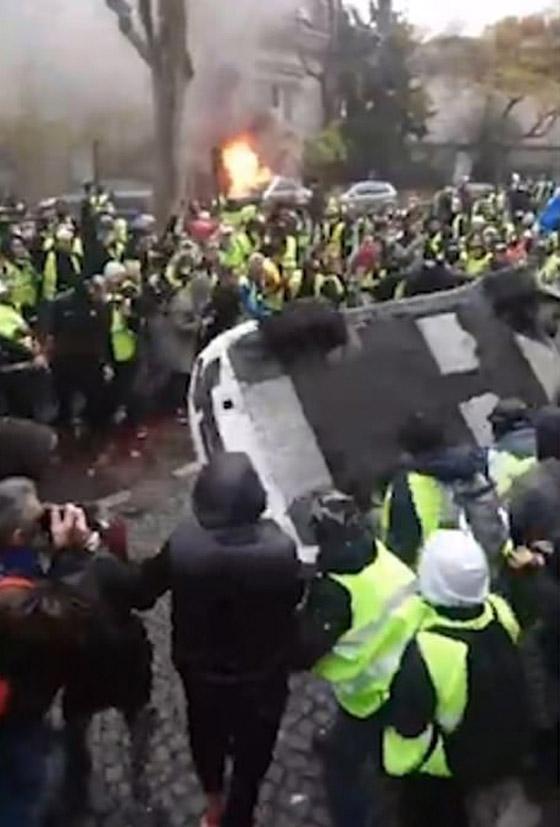حركة السترات الصفراء تضيق الاحتجاجات على ماكرون: يعتقدون أننا حمقى! صورة رقم 15