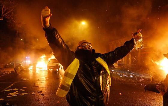 حركة السترات الصفراء تضيق الاحتجاجات على ماكرون: يعتقدون أننا حمقى! صورة رقم 2