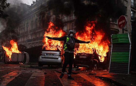 حركة السترات الصفراء تضيق الاحتجاجات على ماكرون: يعتقدون أننا حمقى! صورة رقم 20