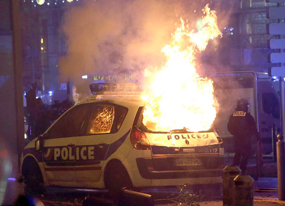 حركة السترات الصفراء تضيق الاحتجاجات على ماكرون: يعتقدون أننا حمقى! صورة رقم 31