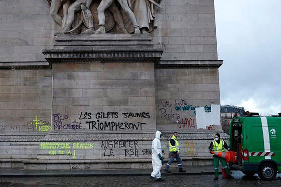 حركة السترات الصفراء تضيق الاحتجاجات على ماكرون: يعتقدون أننا حمقى! صورة رقم 35