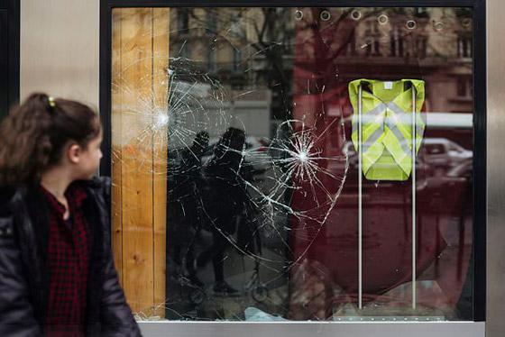 حركة السترات الصفراء تضيق الاحتجاجات على ماكرون: يعتقدون أننا حمقى! صورة رقم 36