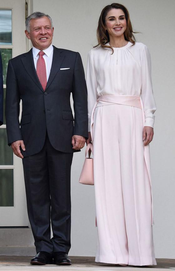 صور الملكة رانيا تتألق بأزياء مصممين عرب لتشجيع الابداع العربي صورة رقم 8